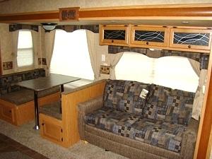 2011 North Trail 28BH Fifth Wheel by Heartland RV w/Rear Bunk Beds